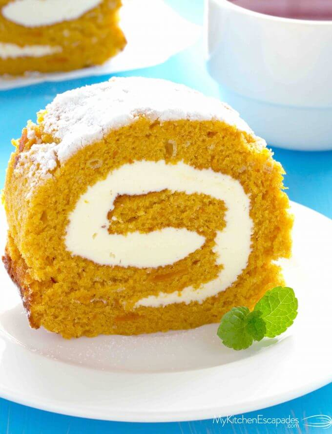 Pumpkin roll cake recipe cream cheese frosting