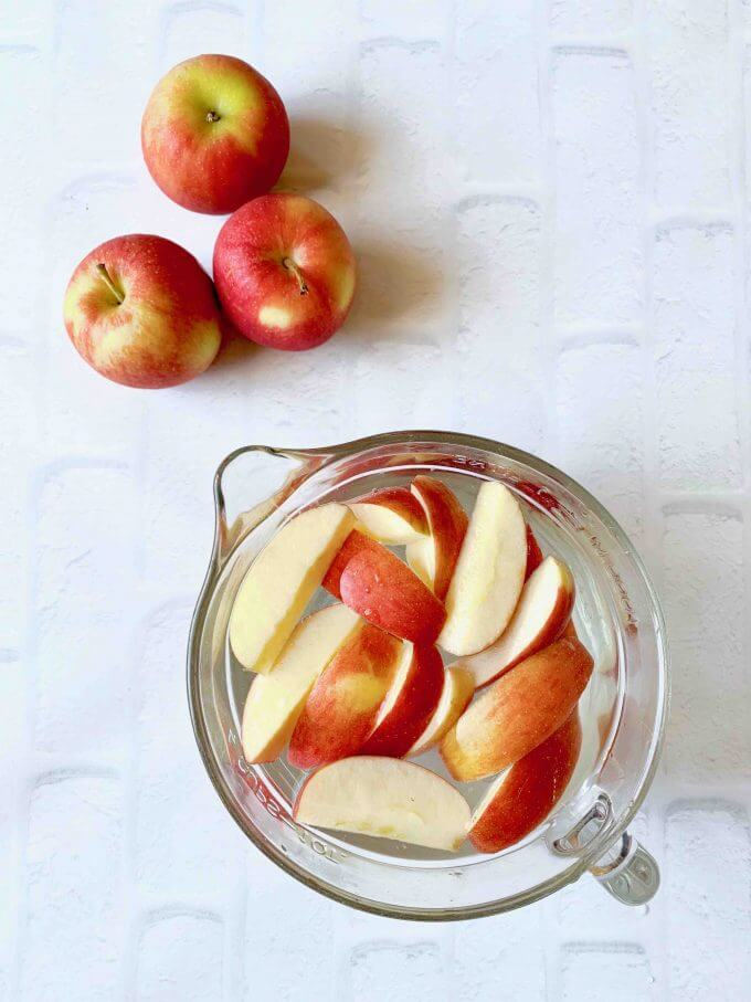 How to keep cut apples from turning brown