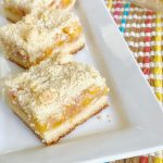 Peach crumble bars up close